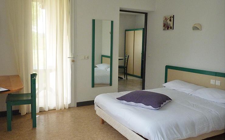 logement 2 ch 3 p PMR village vacances fournols