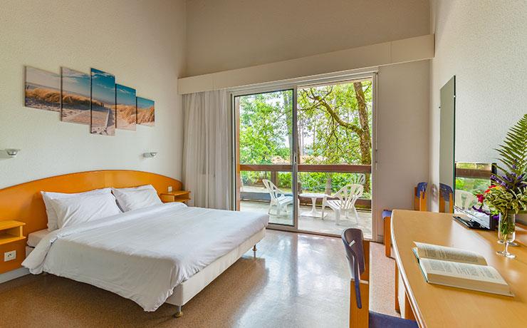 chambre double village vacances ronce les bains