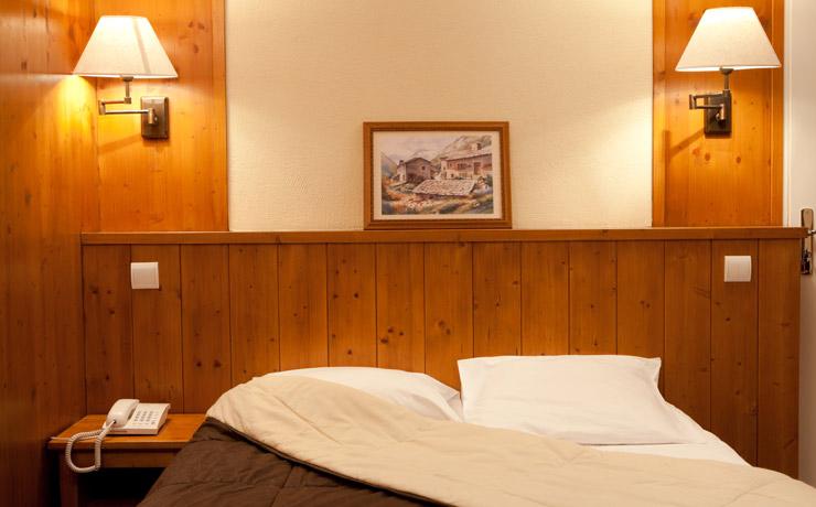 chambre double village vacances la clusaz