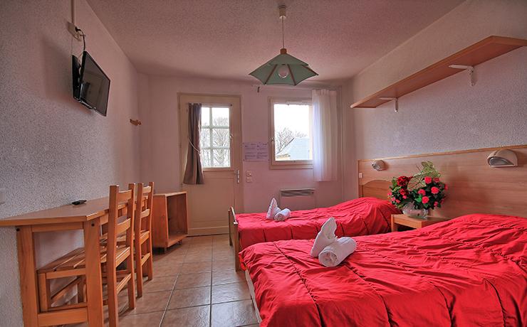 chambre twin village vacances brommat en carladez